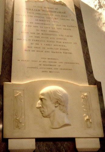 Gedenksteen voor Wordsworth in de kerk van Grasmere