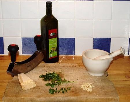 Pesto maken! Foto: AnneTanne - Creative Commons License